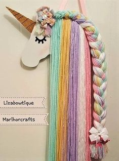 Tutoriel comment faire une jolie licorne avec du carton et de la laine.… в 2020 г Diy Headband, Baby Girl Headbands, Diy Home Crafts, Yarn Crafts, Diy For Kids, Crafts For Kids, Unicorn Bedroom, Unicorn Crafts, Unicorn Birthday Parties