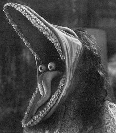 by Tim Burton. Tim Burton Kunst, Tim Burton Art, Arte Horror, Horror Art, Scary Movies, Horror Movies, Beetlejuice Movie, Creepy Images, Mystique