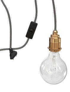 Retro! Klassische Lampenfassung inklusive Stecker und Schalter. 3 Meter langes Textilkabel in schwarz/weiß.