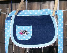 Items similar to Toddler Denim Half Apron with Blue Polka Dots and Cow - Size on Etsy Retro Flowers, Kids Crafts, Sewing Machine Cake, Sewing Projects For Guys, Organize Fabric, Cute Cows, Sewing Aprons, Half Apron, Recycled Denim
