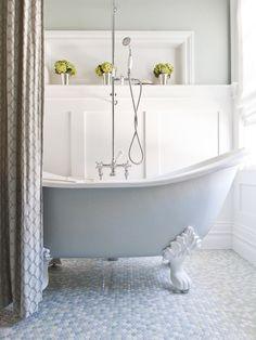 Clawfoot Tub Small Bathroom Design, Pictures, Remodel, Decor and Ideas Traditional Bathroom, Bathroom Trends, Bathroom Inspiration, Bathroom Decor, Top 10 Bathrooms, Beautiful Bathrooms, Clawfoot Tub Bathroom, Free Standing Bath Tub, Shower Tub