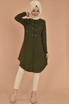 Abaya Fashion, Muslim Fashion, Skirt Fashion, Fashion Dresses, Hijab Dress, Hijab Outfit, Modele Hijab, Churidar Designs, Indian Designer Wear