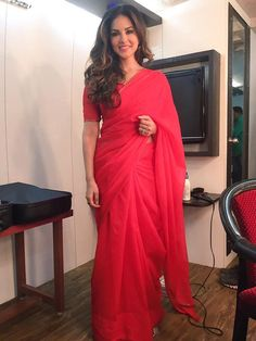 Sunny Leone in Red Saree Sunny Leone Photographs UNIFORM SAREE PHOTO GALLERY  | SATISHSILKMILLS.COM  #EDUCRATSWEB 2020-06-12 satishsilkmills.com https://www.satishsilkmills.com/imgsmall/medium2/Purple-Paisley-Printed-Crepe-Silk-Uniform-Saree-UV4-4011.JPG