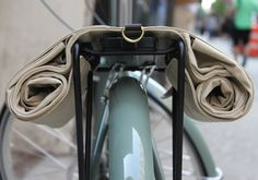 Linus Bikes' Market Bag is the ideal addition to any grocery-getter Bicycle Panniers, Bicycle Bag, Vintage Cycles, Vintage Bikes, Bicycle Makeover, Dutch Bike, Cycle Chic, Mini Bike, Bicycle Accessories