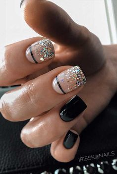 Nothing is more elegant than a hand with perfectly manicured and elegant nails. When you first meet a person, the hands are one of. Best Acrylic Nails, Acrylic Nail Designs, Fun Nail Designs, Long Nail Designs Square, Shellac Nail Designs, Shellac Nail Art, Short Square Nails, Elegant Nail Designs, Nail Polish