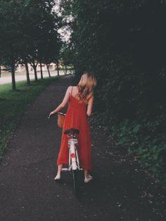 Le dilemme de la fringue et du vélo ou comment ne pas montrer sa culotte ou se prendre la jupe dans les roues???