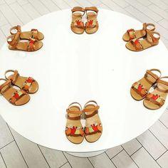 Best fruit sandals for this summer! @experya_bimbi   Las mejores sandalias de frutas para este verano! @experya_bimbi  #manueladejuan #handmadeinsapain #100%natural #kidsshoes #shoesforkids #leathershoes #zapatosdemoda #zapatosdeniños #instakids #instashoes #cutekids #style #fashionshoes #repost #sandals #fruit #fruta #sandalias