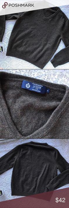 J. Crew Chocolate Brown V Neck Merino Wool Sweater Men's J. Crew Chocolate Brown V Neck Merino Wool Sweater, Medium. Like new, no flaws. 100% merino wool. J. Crew Sweaters V-Neck