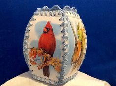 Crocheted greeting card  box. Birds Vintage Christmas Crafts, Boxed Christmas Cards, Christmas Card Crafts, Christmas Decor, Greeting Card Box, Vintage Greeting Cards, Vintage Baskets, Vintage Box, Crafts To Do