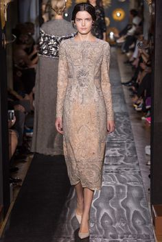 Valentino Fall 2013 Couture Fashion Show - Zlata Mangafic