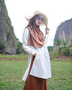 31 Trendy birthday outfit ideas for women hijab Casual Hijab Outfit, Hijab Chic, Casual Outfits, Muslim Fashion, Hijab Fashion, Fashion Outfits, Womens Fashion, Birthday Outfit For Women, Islamic Clothing