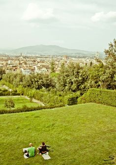 View on #Florence. Explore more places worth visiting in #Italy with #sisterMAG n°7. Photo: Sivan Askayo