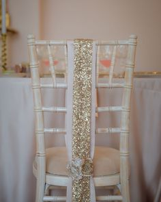 V I N T A G E | G L A M  _ I shared some of the beautiful styling and props by @tabletodinefor yesterday from the @malvernweddings open day; and it was a year ago that we collaborated on the Vintage Glam inspiration shoot at @garthmylhall where we styled the chiavari chairs with these stunning sequin chair backs. I love the elegance and simplicity; they were the perfect finishing touch and complemented @tabletodinefor's luxury oyster linen the ballroom and overall concept perfectly. Kx…