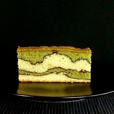 Matcha Green Tea Cake standing right in front you.how can you possibly resist it? Sweets Recipes, Cake Recipes, Desserts, Squash Cakes, Green Tea Dessert, Matcha Cake, Green Tea Recipes, Green Cake, Your Soul