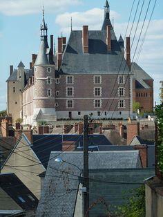 Gien le château vu des remparts, Loiret, Centre, France