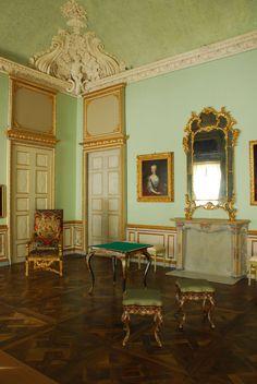 Villa della Regina, living room toward east side, Turin, Italy