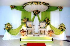 I like this pelamin design but I would def incorporate orchids into it :)