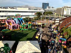 Volta Fun Town στο Μαρούσι - Avenue Mall Τα Volta fun town σας καλωσορίζουν ! Η μεγαλύτερη αλυσίδα Family Park της Αθήνας! Πάμε Volta για να παίξουμε , να διασκεδάσουμε, να απολαύσουμε καφέ και απίστευτα παγωτά,να κάνουμε αξέχαστα πάρτι για τα γενέθλια και την γιορτή μας στους πιο όμορφους, ασφαλείς και παραμυθένιους χώρους που έχουμε φανταστεί!