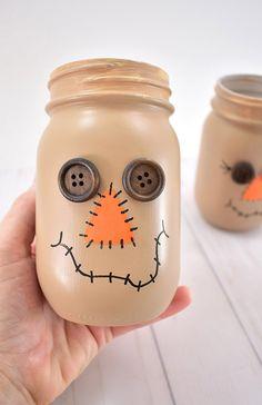 Scarecrow Crafts, Halloween Wood Crafts, Wood Scarecrow, Diy Halloween Decorations, Thanksgiving Decorations, Fall Mason Jars, Mason Jar Crafts, Mason Jar Diy, Halloween Mason Jars