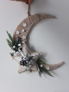 Handmade Christmas Decorations, Diy Christmas Ornaments, Homemade Christmas, Kids Christmas, Christmas Wreaths, Ramadan Decorations, Diy Crafts For Home Decor, Holiday Crafts, Diy Weihnachten