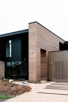 Modern House Design : Cottesloe Drive by Altereco Residential Architecture, Contemporary Architecture, Interior Architecture, Amazing Architecture, Innovative Architecture, Timber Cladding, Exterior Cladding, Cladding Ideas, Cladding Design
