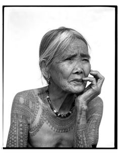 Filipino photographer Jake Verzosa took these portrait photographs of the last tattooed women of Kalinga.