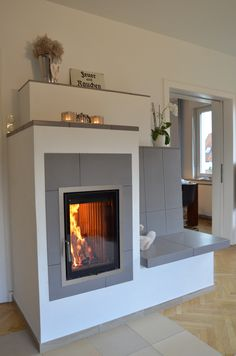 Modern Fireplace, Fireplace Wall, Fireplace Ideas, Solid Fuel Stove, Rocket Stoves, Tiny House, Sweet Home, Living Room, Interior Design