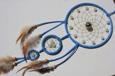 Mobiles & Traumfänger - Glöckchen im hellblauen Dreamcatcher mit Jade - ein Designerstück von Traumnetz-com bei DaWanda