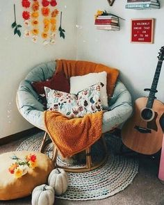 boho home decor Familienzimmer Dekorieren Boho Chic Wohnkultur Ideen. Cute Bedroom Ideas, Cute Room Decor, Room Ideas Bedroom, Bedroom Red, Bedroom Inspo, Bedroom Designs, Bedroom Decor Teen, Diy Room Decor Tumblr, Bedroom Corner