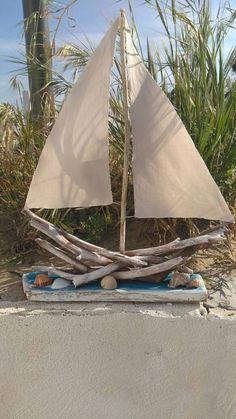 Guarda questo articolo nel mio negozio Etsy https://www.etsy.com/it/listing/512938036/barca-a-vela-in-legno-nave-imbarcazione