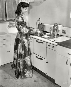 Shorpy Historical Photo Archive :: Jewel in the Kitchen: 1942