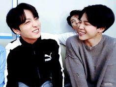 ~Jikook/Kookmin~ by Olambra with reads. Busan, Jungkook Smile, Jimin Jungkook, Kim Namjoon, Kim Taehyung, Foto Bts, Jung Kook, Jikook Gif, Otp