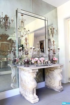 a chic vignette in the home of Lisa Vanderpump #bravotv - Decorista Daydreams