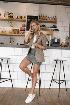10 Looks That Will Have You First-Date Ready- 10 Looks That Will Have You First-Date Ready Save Images first-date outfit ideas, interview, or office style: brown tweed blazer and grey miniskirt with white sneakers First Date Outfits, Summer Work Outfits, Spring Outfits, Ootd Spring, Autumn Outfits, Date Outfit Fall, Office Outfits For Ladies, Casual Chic, Classy Chic