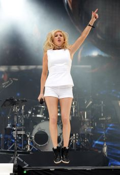 Sometimes I wish I could rock a pair of go-gos like ellie goulding