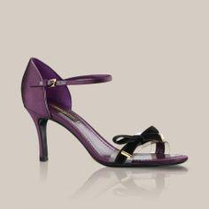 Sandalia Cheri de satén y terciopelo a través de Louis Vuitton