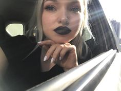 SERIOUS girl crush on this wonderful human being! Liv Y Maddie, Dove Cameron Style, Hairspray Live, Chloe, Fotografia Macro, Celebrity Wallpapers, Up Hairstyles, Her Style, Makeup Looks