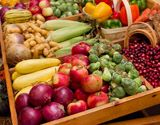 Fall isn't just a time for apples & pumpkin spice lattes. See what else is in season.  Fall fruits and vegetables at a market MU Extension