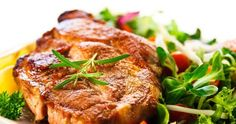 Pečené kotlety s rajčaty a olivami