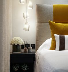 Summer is almost here and Room Decor Ideas has the best Summer Bedroom Ideas by Kelly Hoppen so you can get a luxury interior design on your home interiors. Master Bedroom Interior, Home Bedroom, Bedroom Decor, Bedroom Ideas, Modern Bedroom, Kelly Hoppen Interiors, Summer Bedroom, Top Interior Designers, Beautiful Bedrooms