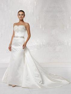 Luxurious Satin Strapless Sweetheart Neckline A-line Wedding Dress