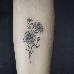 50 Small and Delicate Floral Tattoo Ideas – Brighter Craft flower tattoos - small flower tattoos - f Aster Tattoo, Aster Flower Tattoos, Birth Flower Tattoos, Small Flower Tattoos, Sunflower Tattoos, Flower Tattoo Designs, Small Tattoos, Daisies Tattoo, Small Daisy Tattoo