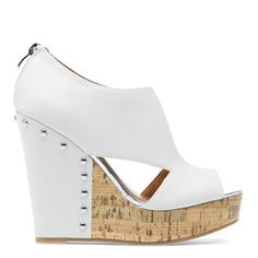 High contrast white wedge sandal by MADISON.. Click the pic for more #womenoutfits