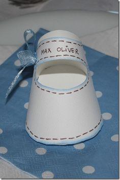 Baby paper shoe - MAL til supersøte papirsko, perfekt til bordkort til dåp osv =)