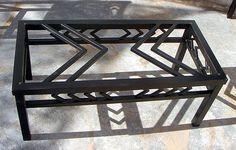 Metal coffee table design A round glass coffee table is popular and well received in most homes. Due to its round shape it fits in most spaces where a Coffee Table Design, Round Glass Coffee Table, Iron Coffee Table, Coffee Table Plans, Iron Furniture, Steel Furniture, Custom Furniture, Industrial Table, Industrial Furniture