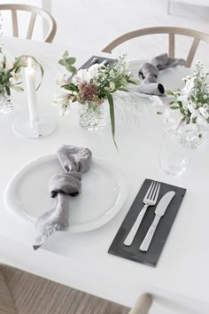 #Tablesetting with pink flowers