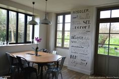 """Rénovavtion + Création de fenêtres """"atelier"""" sur tout un pan de mur extérieur."""