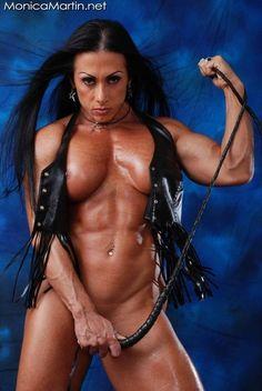 semi muscular women nude