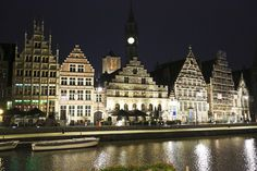 A walk through ghent when the buildings are illuminated!