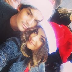 Lucy Hale and Tyler Blackburn attending ABC Family Winter Wonderland red carpet event. Pretty Little Liars, Tyler Blackburn, Lucy Hale, Selfies, Chad Lowe, Tammin Sursok, Holly Marie Combs, Pll Cast, Abc Family